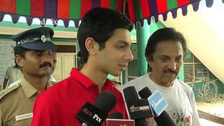 Tamil Nadu Election 2016 - Actor Siddharth and Anirudh Casting Their Vote