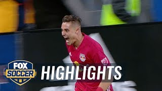 Aaron Long nets a crucial early goal over the Columbus Crew   Audi 2018 MLS Cup Playoffs