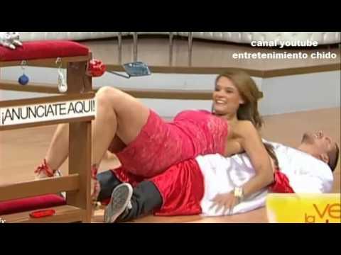mari tere alexandri jugando con mauricio mancera mostrando piernas