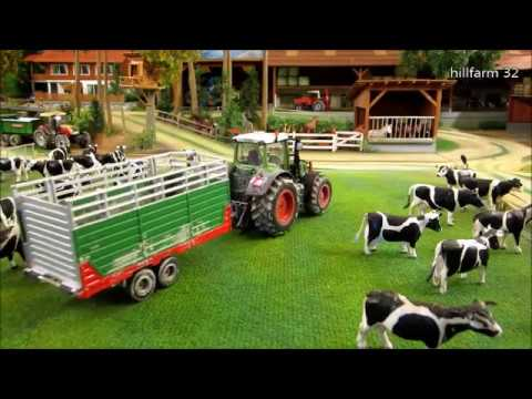 COWS back home by TRACTOR FARM ANIMAL rc TOYS in ACTION