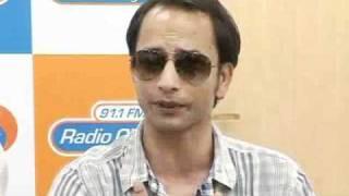'Teen Thay Bhai' Promotion At 'Radio City' - Bollywoodhungama.com