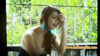 Ena Saha Singing a Song for Kolkata GlitZ