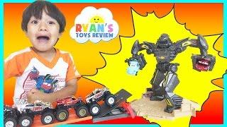Hot Wheels Monster Jam Trucks Maximum Destruction Battle Trackset Disney Cars Toys for Kids