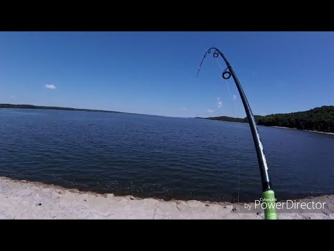 Bank fishing for catfish How to find inactive catfish on river