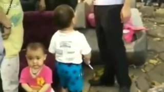 FULL VIDEO  Toddler picked up steel pipe to defend his grandma from  China 's urban management force