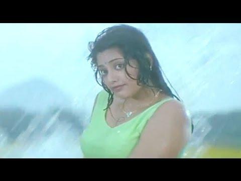 Meena undresses herself in front of Chiranjeevi - Main Hoon Rakhwala Hot Scene