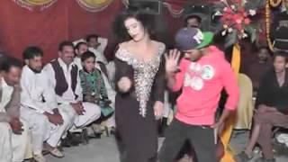 Gujranwala Boy Dance Blue Eyes (yoyo Honey Singh)
