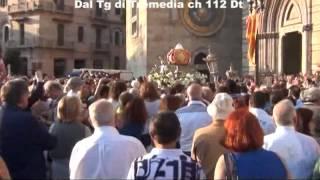 Accorinti fuori tempo  Organizza una manifestazione mentre esce la Madonna della Lettera
