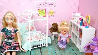 Elsa Toddler gets a New Barbie Bedroom  - DIY Doll Room For Kids