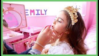 Transform Emily into a Princess 2