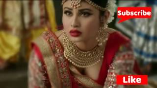 Hot Mouni Roy Deep Cleavage show in Nagin