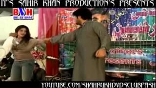 Gatah Pa Tawaan Kegi   Pashto Musical Show 2012   Jung Jung Yaara Jung De Jung   HD - YouTube.flv
