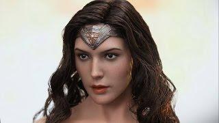 Hot Toys Wonder Woman Photos