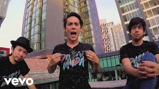 Bunkface - Darah Muda (Official Music Video)