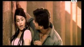 YouTube   Amrita Rao lip kiss & love making with Shahid Kapoor