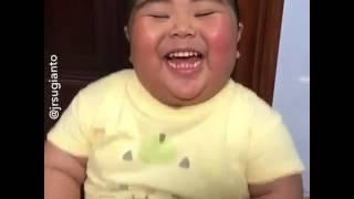 Komik bebek gülüşü😀😀