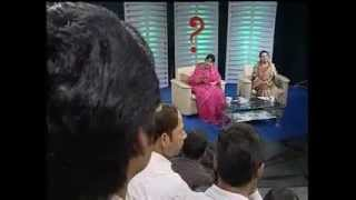 Syeda Ashifa Ashrafi Papia & Nazma Akhter faced to Student at a live special program