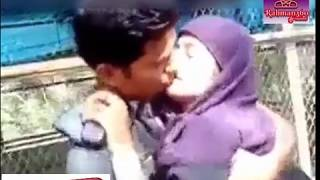 Desi girl enjoyed by lover in the park  ভিডিওটি দেখুন এবং শেয়ার করে সবাইকে সতর্ক করুন