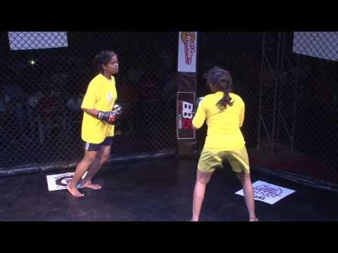 Boom-IPFL Girls Fight Soma Roy Vs Lisa Phandar