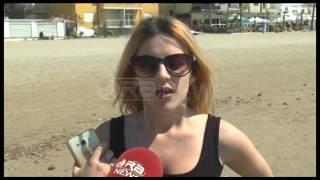 Ora News – Dyndje ne bregdet, plazhi është kthyer në shëtitore gjigante