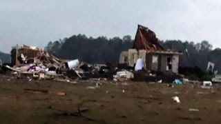 Cleanup begins after deadly storms hit Georgia, Mississippi