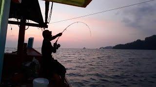 ตกปลาตัวใหญ่สตูลล่องเรือตกปลาโก๋มิตรตีหม้อเคาะกระทะ!!!