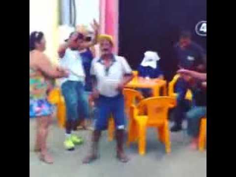 Bêbados perdendo a linha no Bar do Gil em Birigui