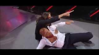WWE Monday Night Raw - Daniel Bryan attacks Triple H | 31/03/2014