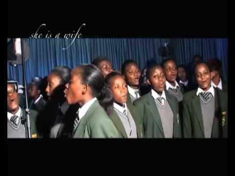 AFRICAN WOMAN - STATE HOUSE GIRLS HIGH SCHOOL NAIROBI.KENYA