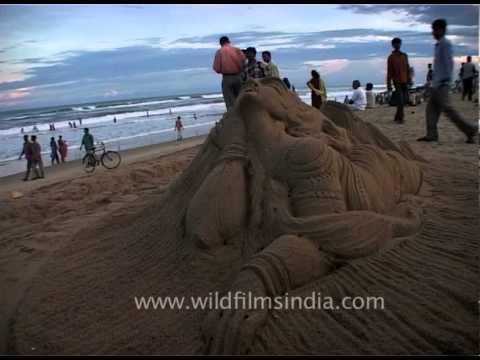 Spectacular Puri Beach sand sculpture, Orissa