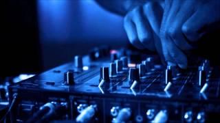 Showtek vs Martin Garrix vs Justin prime - Booyah (2014 remix)