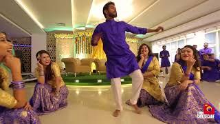 Shama & Sharfaraz Hould Dance