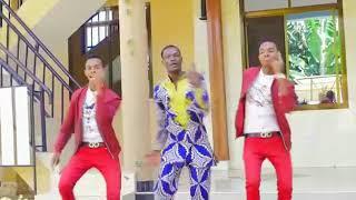 Ni Bwana anafanya by PASCAL NTILEMA