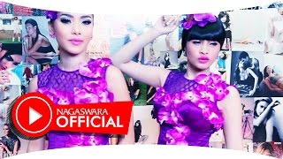 Duo Anggrek - Dari Hongkong (Official Music Video NAGASWARA) #music