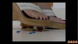 Y - SlowMotion 300fps - Choco Tube Candies 01