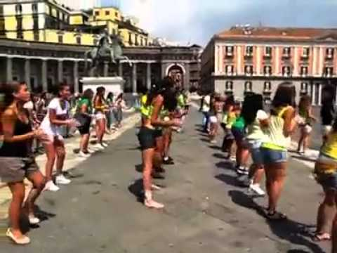 Xxx Mp4 Official Video Flash Mob Waka Waka Napoli Piazza Plebiscito 21 07 2010 3gp Sex