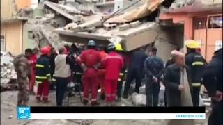 فرق الإنقاذ العراقية تواصل انتشال الجثث من تحت أنقاض المباني