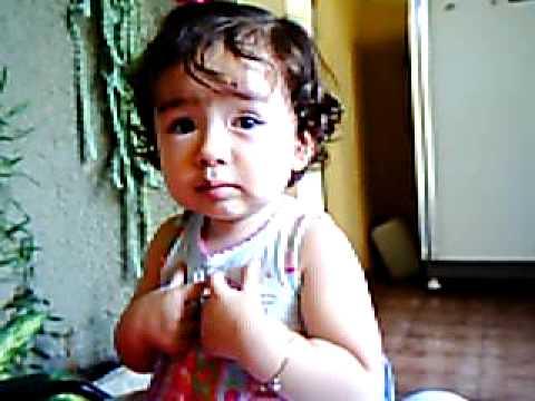 Lumy 12 08 07 1 ano e 2 meses pedindo para mamar