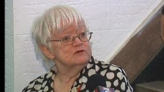 Elderly woman robbed inside Manhattan apartment building