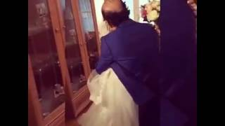 عروسة تودع اهلها