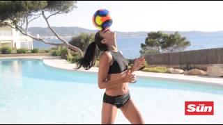 Danielle Sandhu's football skills (Freestyle)