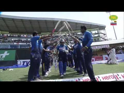 Dilshan plays his final innings as Australia