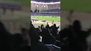 #تجميعات : اجمل مقاطع دخول النساء للملاعب في السعودية .. تقليعات بنات 😝✌