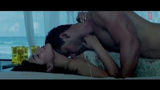 Shruthi Hassan Hot First Night Scene
