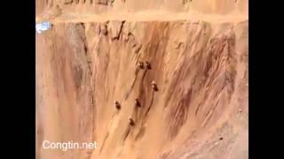 Đua xe leo núi siêu đẳng