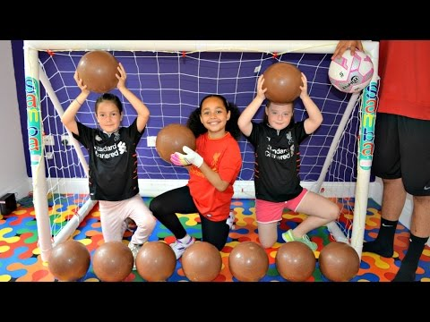 BASHING 10 Giant Surprise Chocolate Footballs - Football Challenges - Kinder Surprise Eggs Opening