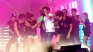 Hands Up Encore Intro: Jun. K + Taecyeon beatbox