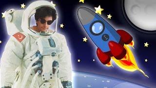 Ege Astronot Oldu Aya Ayak Bastı   Vlog   Oyuncak Butiğim