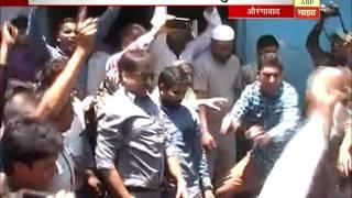 Aurangabad : MIM workers todfod :Closed Deshi Daru shop