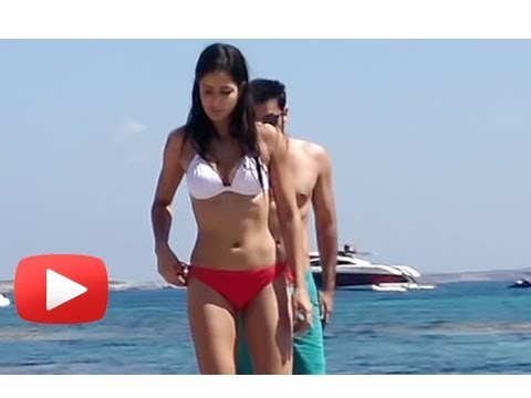 Ranbir Kapoor & Katrina Kaif Spotted On The Beach | Ibiza, Spain | Latest Pictures